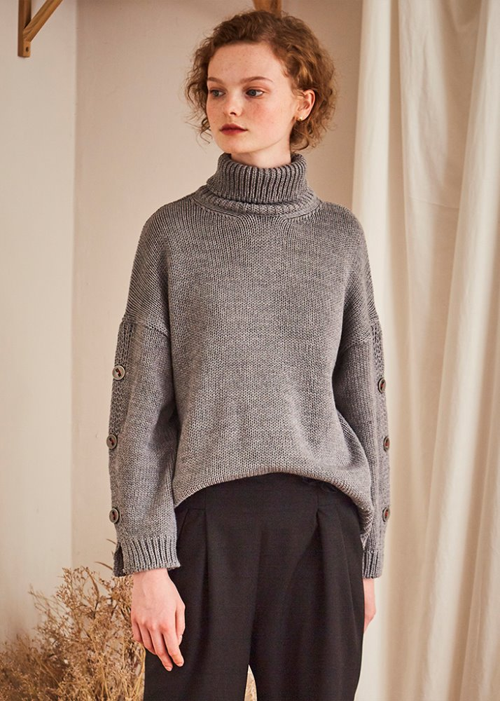 SLEEVE BUTTON POINT KNIT_GREY